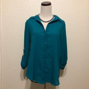 BCX Teal Cheetah Print Blouse Medium
